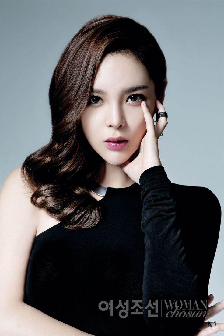 Park Si Yeon - Woman Chosun Magazine September Issue '14
