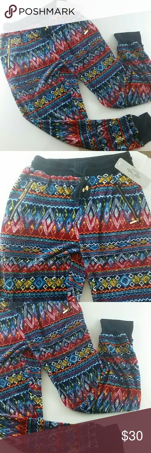 REMOVING SOON WAS $30 FINAL PRICE Aztec Print fun jogger pants, style with your favorite matching sneakers. Very comfortable and a great deal Pants Track Pants & Joggers