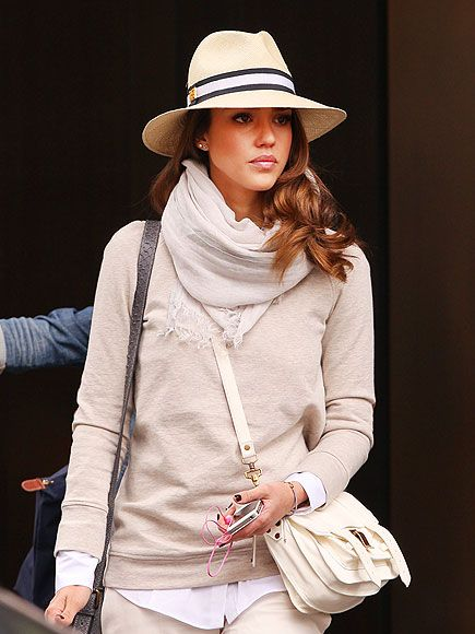 I am loving Jessica's all-neutral ensemble and her wide-brimmed fedora!