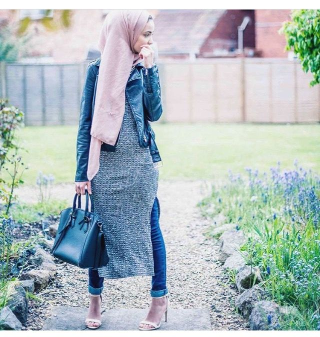 Pinterest: eighthhorcruxx. Grey dress, leather jacket, blush pink hijab, jeans and heels.