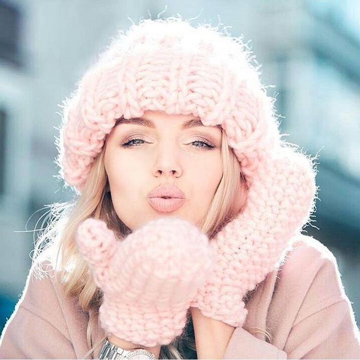 Роскошно и тепло   Комплект из #KeepCalmThisWool #WoolandMania самого нежного цвета Blush  Работа @magliera