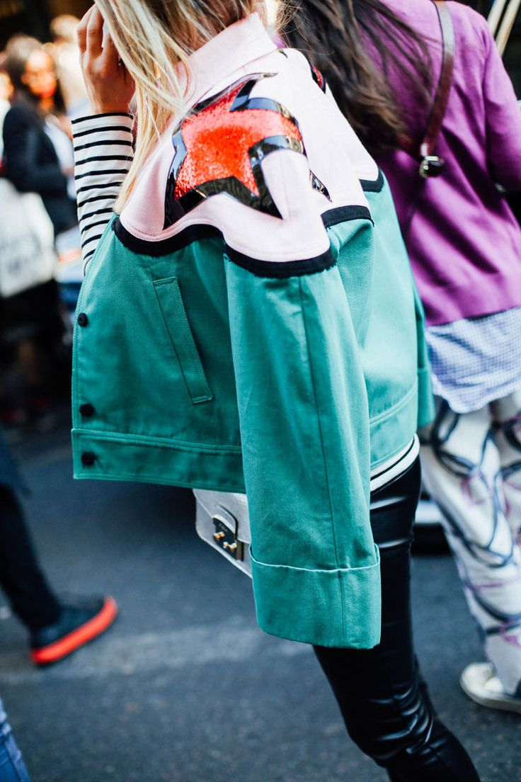 Street Style en Paris Fashion Week, octubre 2015 © Icíar J. Carrasco                                                                                                                                                                                 Más