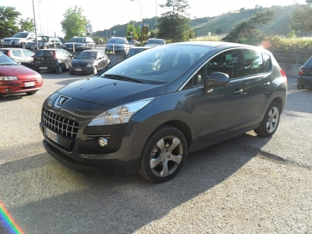 Peugeot 3008 3008 1.6 HDi 110CV Pack Premium a 12.999 Euro