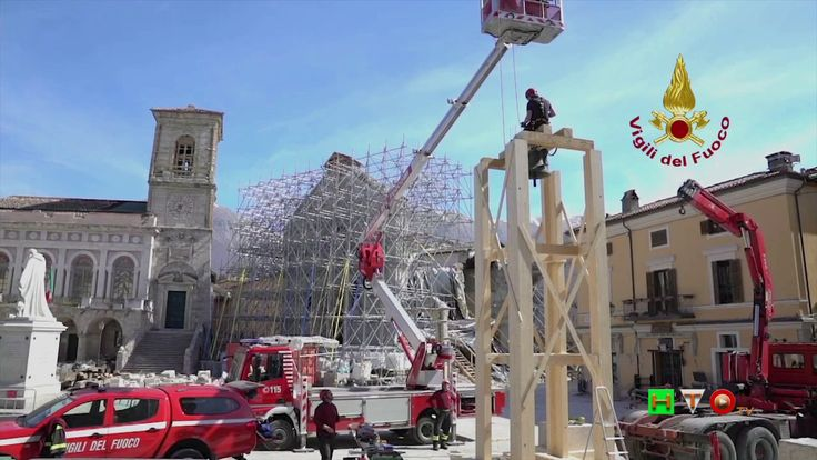 Vigili del Fuoco - Norcia - Posizionamento campana Chiesa di S. Maria Ar...