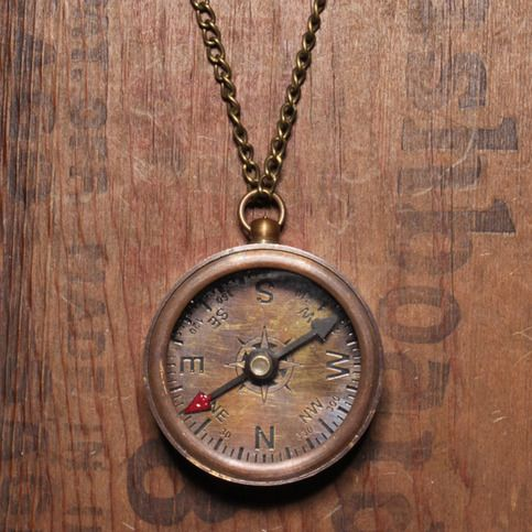 Vintage Style Working Compass Necklace Diameter Of 15 Inches Length