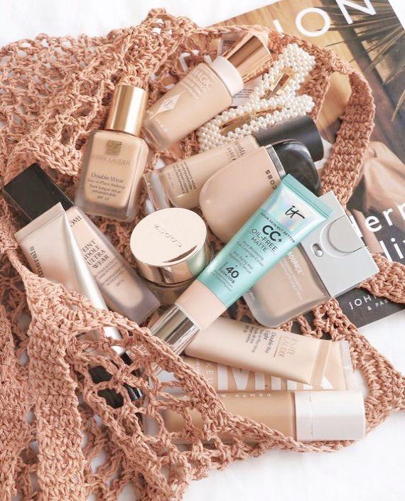 Makeup Revolution Foundation F5 + Kosmetikspiegel   – Makeup Collection Storage