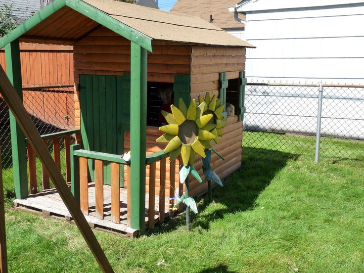 Kids' Playhouse from Old Fence Panels