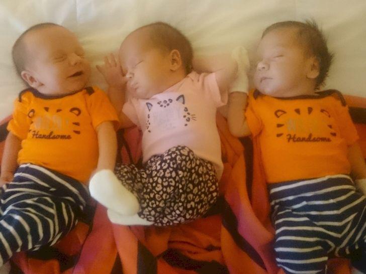 Estos papás gay están varados en México con tres bebés y sin manera de volver a casa