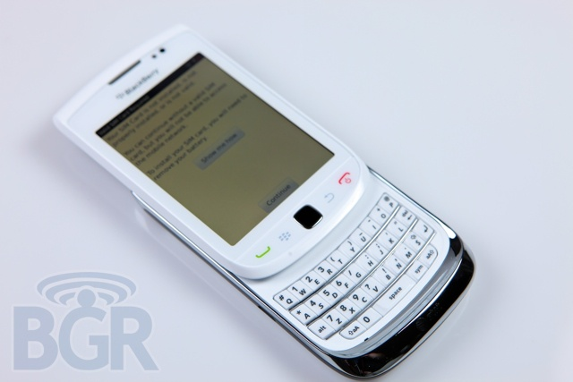 BlackBerry-Torch-9800-White-1