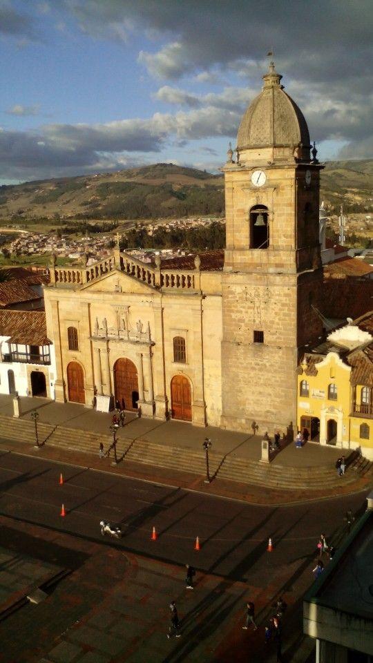 Tunja Colombia. Colección fotográfica de la Unidad Especializada en Ortopedia y Traumatologia www.unidadortopedia.com PBX: +571-6923370, Móvil: +57-3175905407, Bogotá, Colombia.