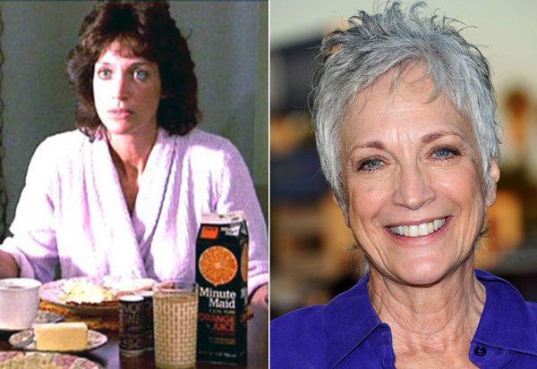 RANDEE HELLER / LUCILLE LARUSSO  Randee Heller interpretó a la madre de Ralph Machio. Desde los 80 es una presencia habitual en la pequeña pantalla. En los últimos años la hemos podido ver en series como 'Crossing Jordan', 'Cinco hermanos', 'Nip/Tuck', 'Mad Men', 'Wilfred', 'Mujeres desesperadas', 'El mentalista' o 'Modern Family'. ¿QUÉ FUE DE... EL REPARTO DE 'KARATE KID?  Las enseñanzas del profesor Miyagi a su alumno calaron hondo en toda una generación y frases como 'Dar cera, pulir…