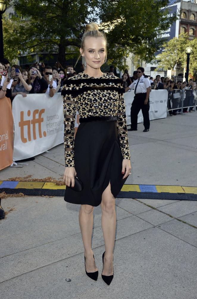 Diane Kruger az 'Inescapable'című film bemutatóján, Valentino ruhában.  forrás: instyle.hu