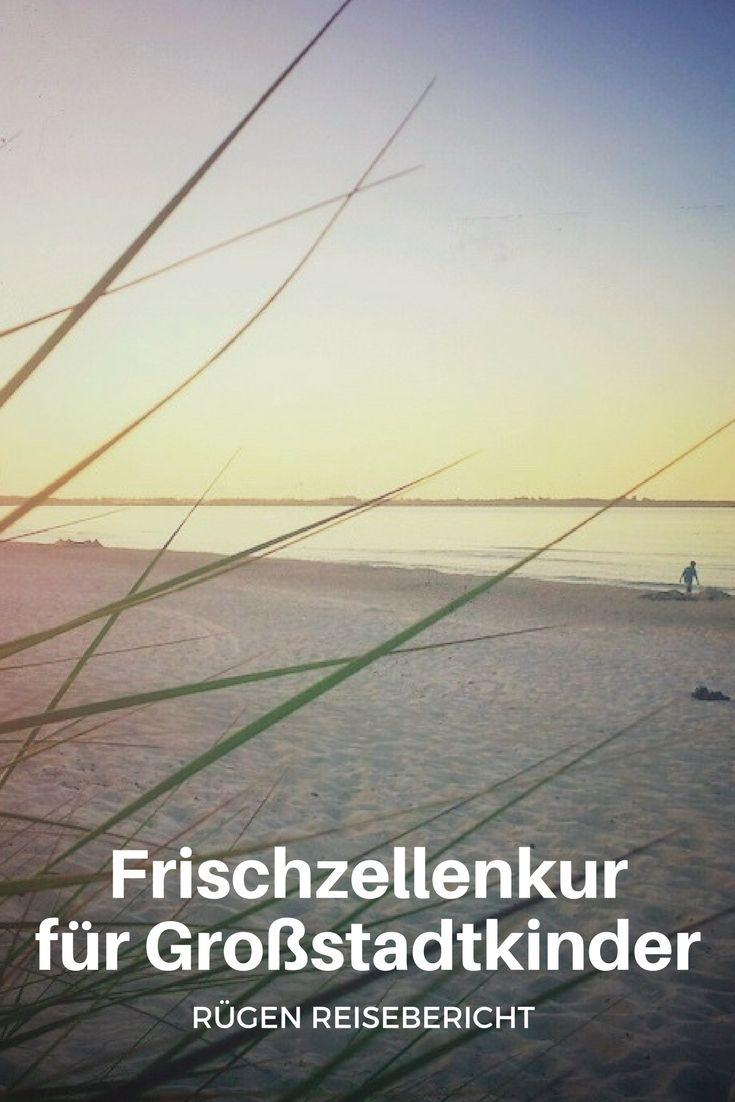 Sehnsucht Ostsee! Wer zwischen Erzgebirge und Uckermark geboren wurde, den zieht es Jahr für Jahr wohl mindestens einmal in Richtung Ostsee. Deutschlands größte Insel, Rügen, verwandelt sich so in den Sommermonaten gerne mal in einen großen Freizeitpark. Unser Rügen Reisebericht verspricht zwischen Tagesausflügen und vollen Sardinenstränden jedoch ein Stelldichein mit dem wahren Herzen der deutschen Ostseeküste.