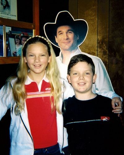 taylor swift family | Taylor Swift's Family Album: Shots of Our Cover Girl's Picture-Perfect ...