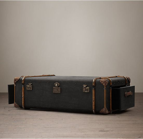 Restoration Hardware(レストレーションハードウェア)トランクコーヒーテーブル「19th C. French Steamer Trunk Coffe Table/Charcoal Canvas」