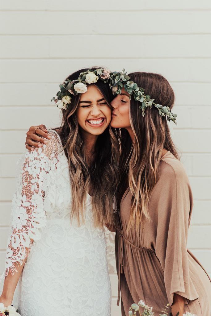 Fotoshooting Inspiration Pose für Braut und Trauzeugin | Hochzeit Fotos(Bridesmaid Hair)