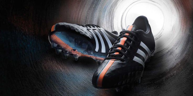 Adidas 11pro generasi terbaru kini kembali ke kodrat sepatu heritage yang semestinya: upper berbahan kulit kanguru.