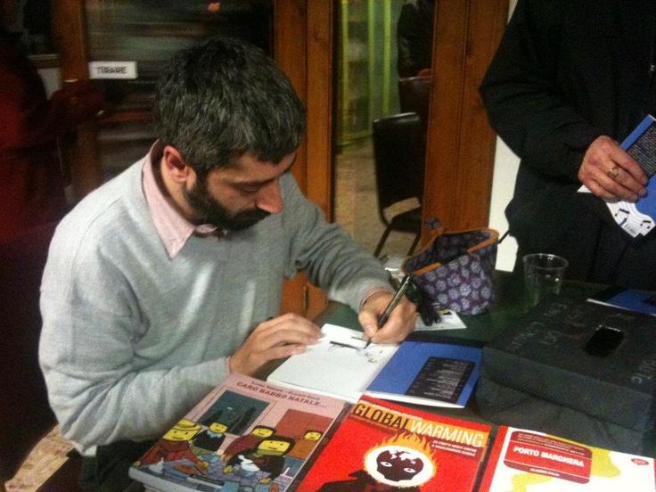 """Drawing on """"Piccola cucina cannibale"""" (L. Voce, F. Nemola, C. Calia, Squilibri 2012) - Casa dei beni comuni, Treviso, 26/02/2012."""