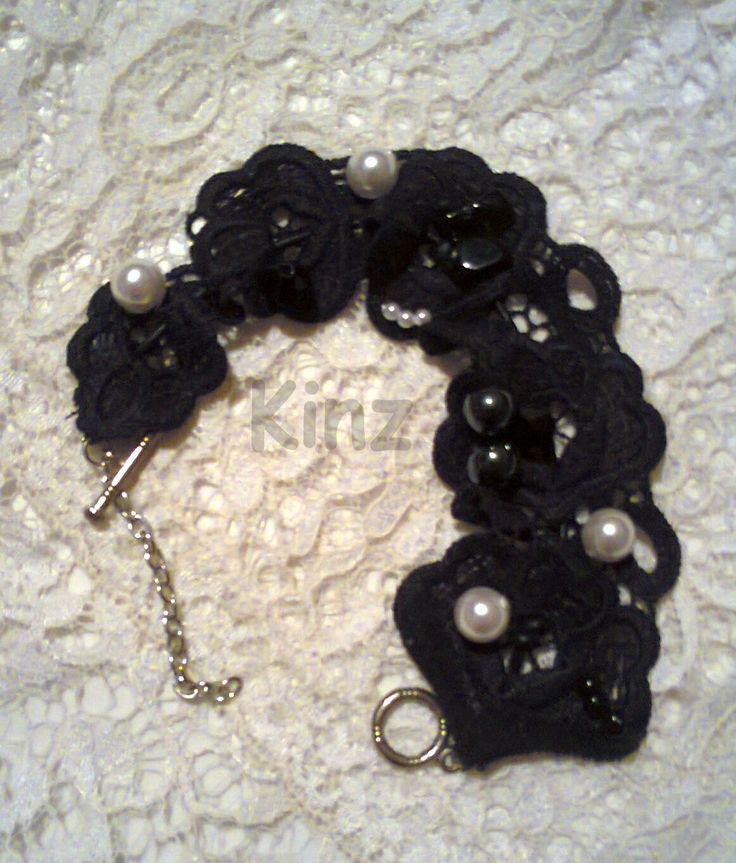 vintage lace and pearls bracelet/KINZ jewelry