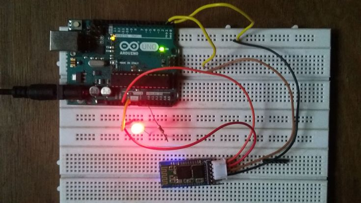 DIY bluetooth enabled door locker project using Arduino Uno with code schematic diagram. How to build wireless door locker Arduino & bluetooth module HC-05