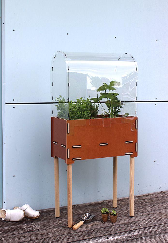 das hochbeet f r den kleinen balkon vertical gardening mit pflanzbox rechteck destinature. Black Bedroom Furniture Sets. Home Design Ideas