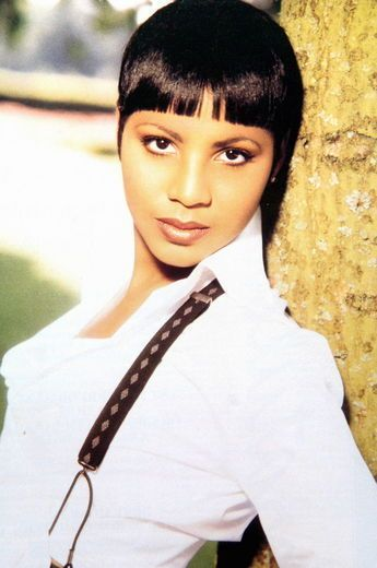 Toni Braxton, 1993: Incredible singer... before she ruined her career with scandals, reality tv and nose jobs.