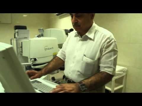 Optom Vipin Buckshey reviews in OT at Visual Aids Centre
