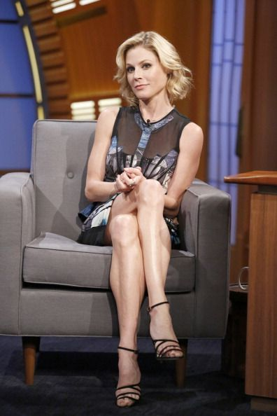 Julie Bowen On Late Night With Seth Meyers Styled By Tara