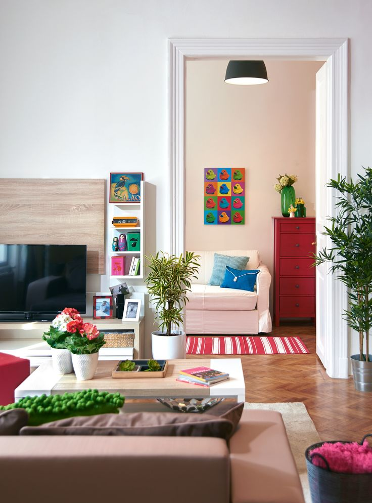 Renovated and furnished by Tower-International, colorful interior design, photo:Gróf Annamária / Nők lapja Évszakok
