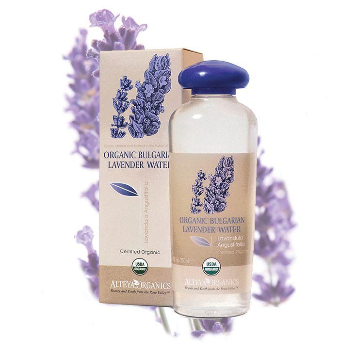 100% zuivere, stoom gedistilleerd lavendelwater wordt gemaakt van verse, biologische lavendelbloesems. Een van de meest gebruikte oliehoudende planten