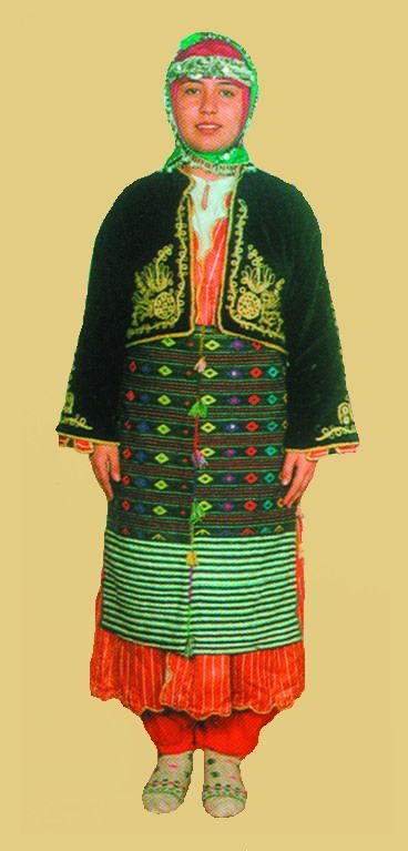 Traditional festive costume for young girls, from the Türkmen villages in the province of Balıkesir. Style: mid 20th century. This is a recent workshop-made copy, as worn by folk dance groups.