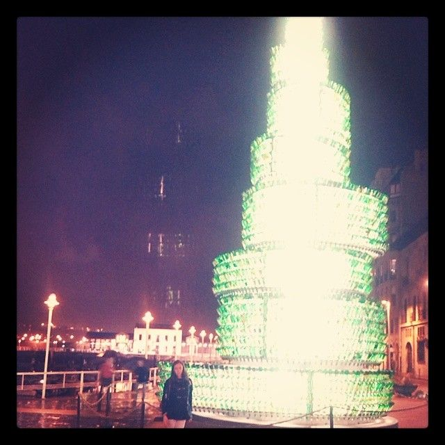 #Paseo #Nocturno #Papis #Torre #Botellas #Sidra #Postureo #InstaGood Web Instagram User » Followgram