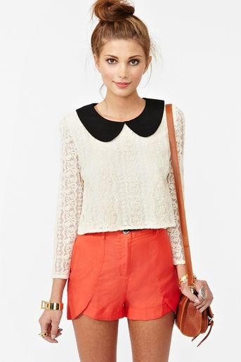 love the peter pan collar!: Summer Fashion, Lace Tops, Summer Outfit, Clothing, Peter O'Tool, Peter Pan Collars, Peterpan, Nasty Gal, Summer Shorts