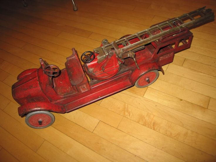 1920's Buddy L  Fire Truck  LARGE nice store/restaurant decor; conversation item