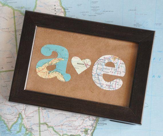 Larga distancia relación mapa regalo iniciales enmarcadas por ekra