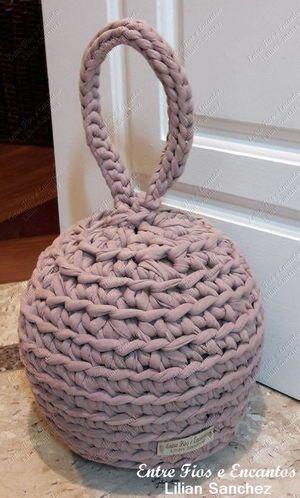 Peso Porta feito em crochê com Fio de Malha. http://www.vitrine.elo7.com.br/entrefioseencantos