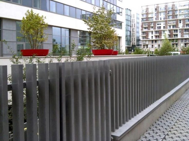 27 best images about fences on pinterest fence design for Minimalist house fence