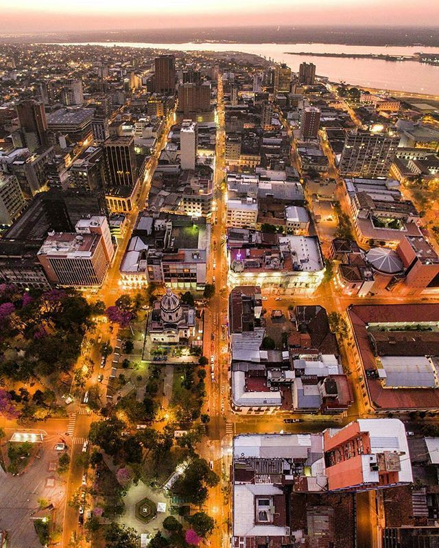 Welcome to Asuncion , Paraguay 📷 Photo by : @fotociclo 📷 Share your favorite cities and include #cbviews ✔  Асунсьен ,  Парагвай . #Asuncion #Paraguay #citylights #southamerica #ciudaddeasuncion
