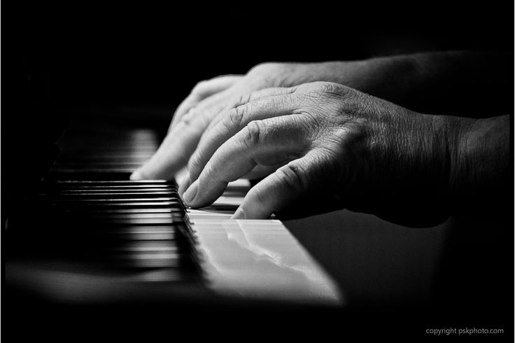 interesting hands | Piano player, Music, Piano, black and white photography