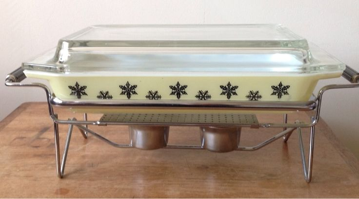 JAJ Pyrex Gaiety Snowflake SS with lid and original stand... One of my very first purchases! And now happily rehomed with a great pyrex friend in Oregon! Though now got my eyes out for another replacement yellow SS in my life....