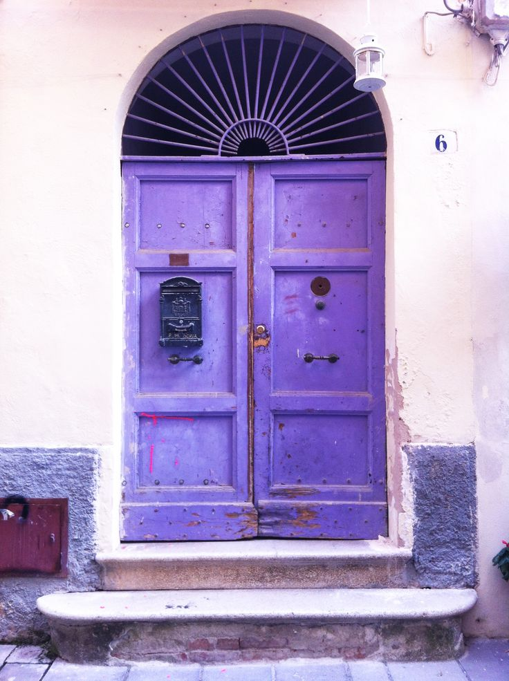 One of the many doors among the old town streets of Sassari