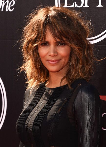 2015 ESPYS RED CARPET -- Ciara & Russell Wilson, Halle Berry, Mo'Ne Davis & Many More