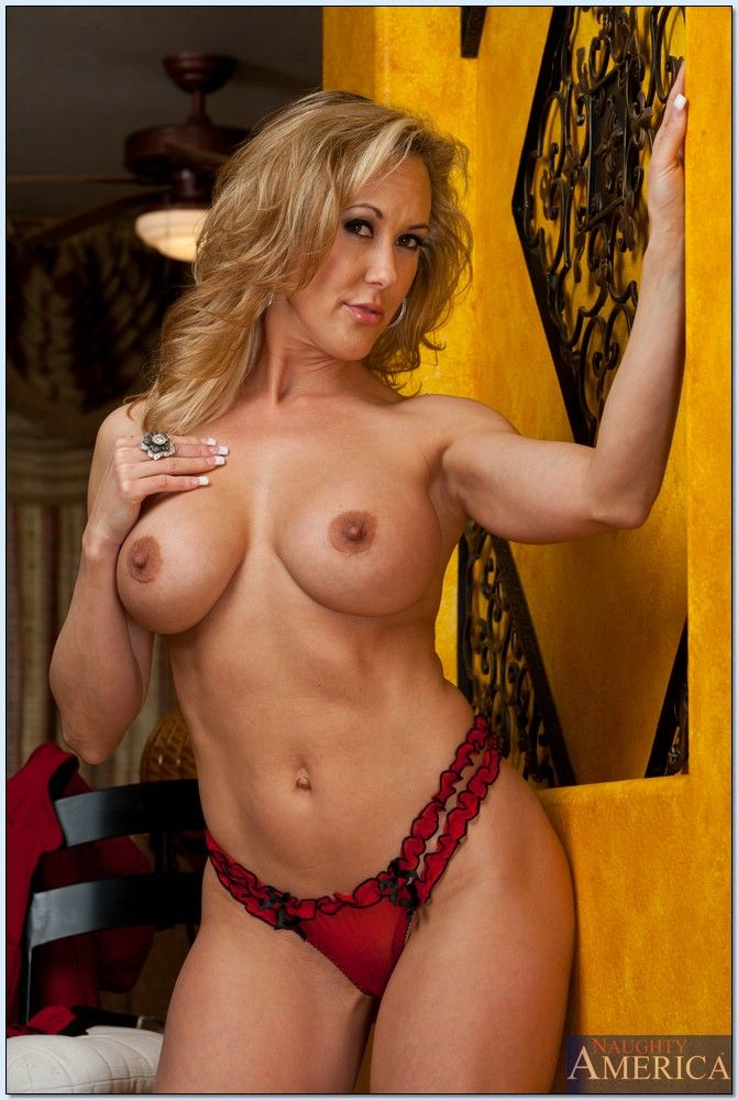 Hottest nude fitness women