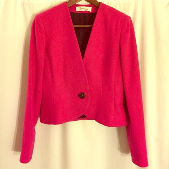 ❤️FLASH SALE❤️Neiman Marcus Vintage blazer Vintage fuchsia one button blazer from Neiman Marcus. 100% wool. Dry clean only. Neiman Marcus Jackets & Coats Blazers