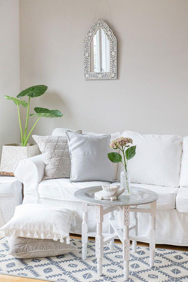 TIPP: Wohnen mit weißem Sofa Ein weißes Sofa mit…