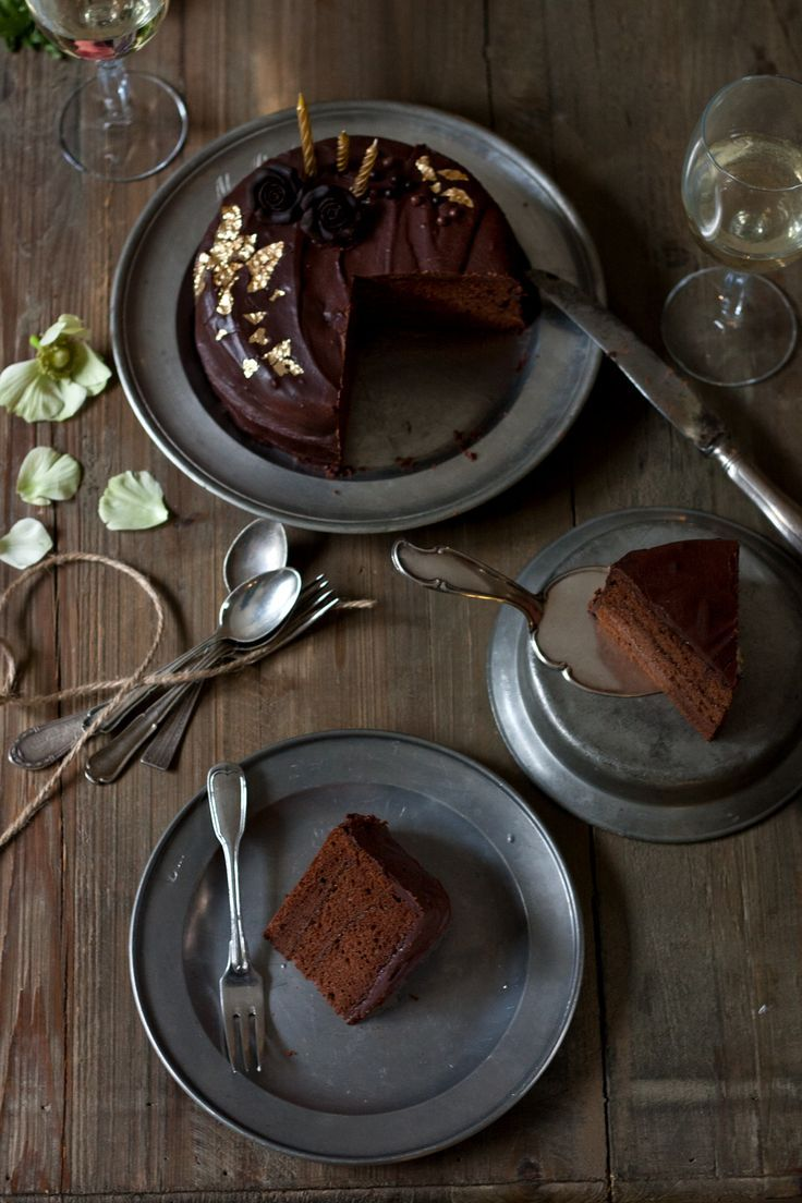 Die perfekte Sachertorte – so gut wie das Original | Foodlovin'- chocolate & apricot