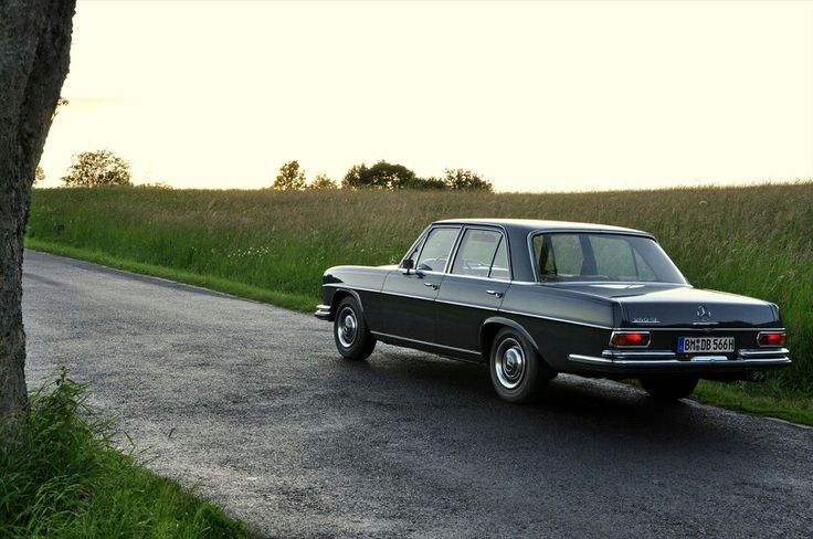 Mercedes Benz 250 SE w108 from 1967 (near the Nürburgring)