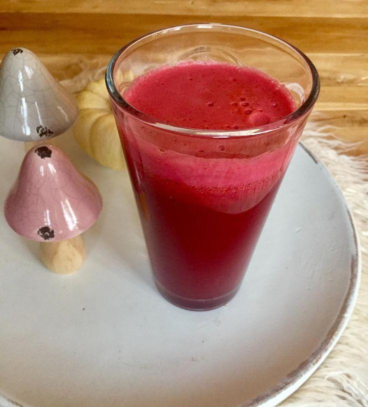 Leckerer Gemüsesaft mit roter Beete und Ingwer