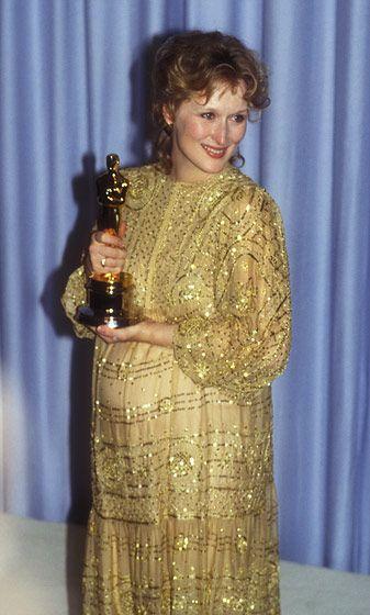 pregnant Meryl Streep accepting her Sophie's Choice Oscar