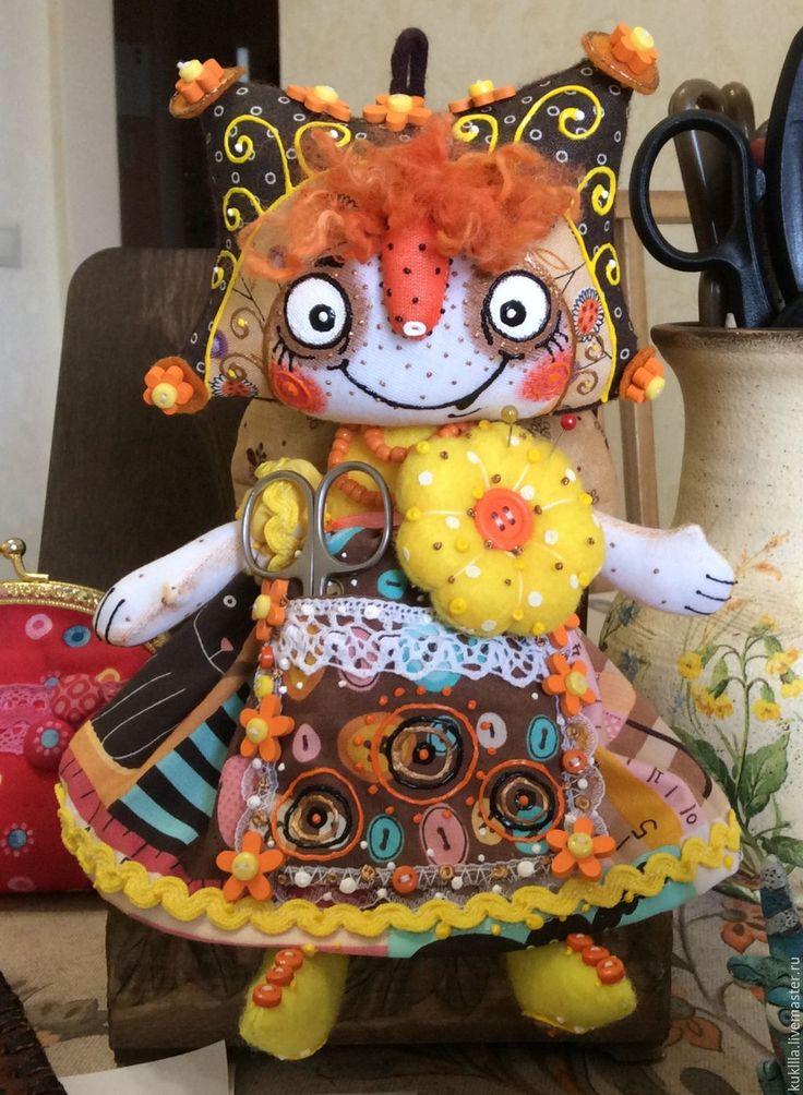 Купить Помощница - рукодельница. - бежевый, ангел, тряпичная кукла, рукоделие, Рукодельница, помощница, интерьерная кукла